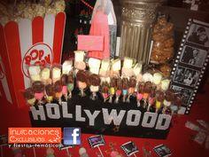 Fiesta Tema y Mesa de Dulces Hollywood para los quince años de Cindy! Solo lo mejor para tu evento! #hollywoodparty #mesadedulces #invitacionesexclusivas #misXV #quinceaños