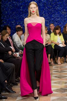 Christian Dior Fall 2012 Couture I'll add sleeves and walk with my hands in pockets all day