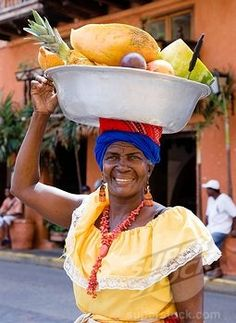 Fruit Vendor - Colombia http://www.google.pt/imgres?q=people+from+south+america=484=pt-PT=firefox-a=X=org.mozilla:en-US:official=np=1366=638=isch=imvns=Eb_kN92WbU1EUM:=http://www.superstock.com/stock-photos-images/4034-126066=5qRTc0toj_hwRM=http://wwwdelivery.superstock.com/WI/223/4034/PreviewComp/SuperStock_4034-126066.jpg=255=350=LYKeT7a