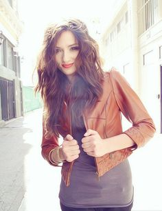 Crystal Reed (Allsion) from Teen Wolf, Gorgeous..Love her and her hair
