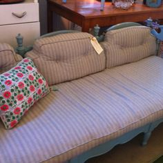 Ethan Allen shabby sheik bed!  I'm dying to have