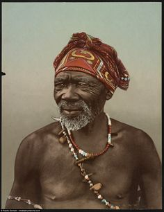 These images, including this of a tribe's medicine man, show everyday life in South Africa more than one hundred years ago African Life, African Men, Cold Face, Africa Painting, What Is Today, Anthropologie, Tribal People, Kwazulu Natal, African Tribes