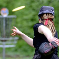 chick with dreads AND plays disc golf? That's my kinda girl! I love it!!!