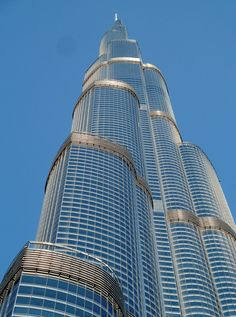 A stunning close view of Burj Khalifa from bottom to top.