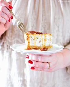 Aperitive și gustări Archives | Bucate Aromate Cheesecake, Food Cakes, Creme Caramel, Food Photo, Pecan, Cake Recipes, Appetizers, Desserts, Kitchen
