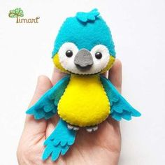 5 Things That May Surprise You About Parrots Felt Diy, Handmade Felt, Felt Crafts, Diy And Crafts, Felt Patterns, Stuffed Toys Patterns, Diy Sewing Projects, Sewing Crafts, Felt Christmas
