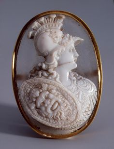 """Alexander the Great"", Italy or Germany, 17th century. Agate, rock crystal, gold. 4,6 x 3,2 cm. -The State Hermitage Museum-"