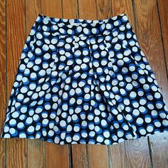 Loft skirt size 4 Gorgeous Loft circle patterned blue and white skirt. I got many compliments on this one. Excellent used condition LOFT Skirts