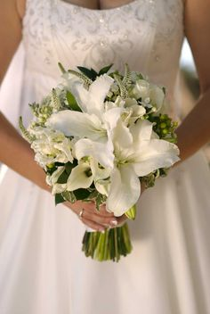 Liliums and Roses in White