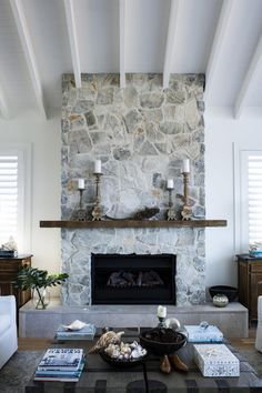 Terrific No Cost Stone Fireplace hamptons Thoughts At home with Deborah Hutton – Get In My Home Grey Stone Fireplace, Stone Fireplace Designs, Stone Fireplace Makeover, Stone Wall Fireplaces, Painted Rock Fireplaces, Stone Walls, Farmhouse Fireplace, Home Fireplace, Fireplace Remodel