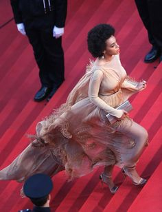 http://jollycaucusrace.blogspot.com/2013/09/solange-knowles-could-this-woman-be.html#Cannes2013 Solange Knowles