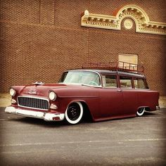 1955 Chevy Chevrolet Wagon with satin red paint, black wheels, whitewall tires, and roof rack. 1955 Chevy, Chevy Chevrolet, Retro Cars, Vintage Cars, Black Wheels, Custom Vans, Kustom, Old Trucks, Car Show