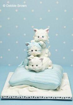 Kittens cake ★ More on #cats - Get Ozzi Cat Magazine here >> http://OzziCat.com.au ★