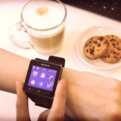Mientras desayunás, ponete al día y revisá tus redes sociales en el#Smartwatch2 de Sony. ¡Encontralo en Frávega! #VidaTechie #Tecnología #Smartwatch