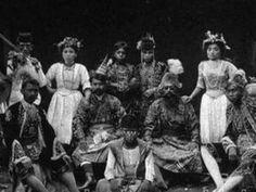 Wayang senggol merupakan salah satu jenis wayang betawi. Teater rakyat ini pernah populer di kawasan Batavia sekitar tahun 1920 sampai 1930-an.