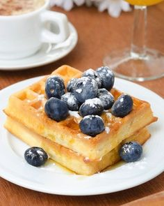 Make and freeze waffles for on-the-go breakfast! Great idea - 10 Foods That A Nutritionist Always Has In Her Freezer