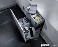 Sort your kitchen waste and cleaning material in this pull-out unit by GOLDREIF.