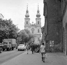 1971. Batthyány tér Old Pictures, Old Photos, Vintage Photos, Budapest Hungary, Motown, Historical Photos, Austria, Old School, Arch