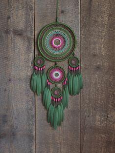 Atrapasueños verde regalo de sueño grande recolector el | Etsy Dream Catcher Decor, Large Dream Catcher, Dream Catcher Boho, Dream Catchers, Crochet Dreamcatcher, Crochet Mandala, Indian Arts And Crafts, Diy And Crafts, Crochet Wall Art
