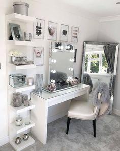 Glam Beauty Room Vanity Decor Penteadeira Bedroom Decor For Beauty Room Ideas Room Ideas Bedroom, Bedroom Inspo, Bedroom Desk, Mirrored Bedroom, Diy Bedroom, Bedroom Ideas For Small Rooms Diy, Bedroom Mirrors, Bedroom Decor For Small Rooms, Mirrored Vanity