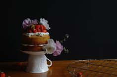 flowery strawberry and rhubarb victoria sponge (a tentimestea second birthday cake) | ten.times.tea