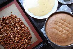 Krokankake med vaniljekrem - Krem.no Pastel, Dairy, Food And Drink, Cheese, Desserts, Tailgate Desserts, Cake, Deserts, Postres