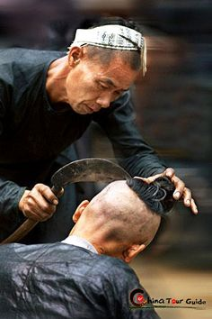 Basha Miao Village | Shaving off the hair with a sickle really needs superb skill