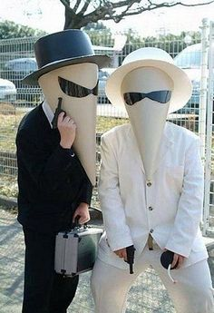 Spy vs Spy cosplay. View more EPIC cosplay at http://pinterest.com/SuburbanFandom/cosplay/