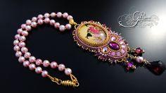 RESERVED. Japanese geishas cameo necklace di GuzialiaReedJewelry