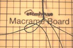 외줄 셀틱,celtic, 셀틱팔찌 제작법 : 네이버 블로그 Macrame Knots, Micro Macrame, Macrame Tutorial, Submissive, Diy Jewelry, Weaving, Bracelets, How To Make, Crafts
