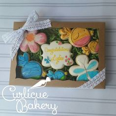 """""""I definitely stepped out of my comfort zone for these whimsical watercolor birdies based on the nursery bedding that mommy chose. All fancy in their @brpboxshop gift box! #needmorepractice #cookiesformommy #decoratedcookies #paintingoncookies #babyshower #customcookies #houston"""" Photo taken by @curlicuebakery on Instagram, pinned via the InstaPin iOS App! http://www.instapinapp.com (07/19/2015)"""