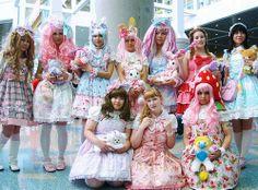 Lolita Cosplay ~ Otakus & Geeks.com