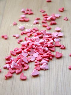 Homemade Valentine Sprinkles...I only wish this wasn't in polish.  Any translators out there???