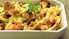 Schnell zubereitet und ideal für Familien: Nudelauflauf mit Pute | http://eatsmarter.de/rezepte/nudelauflauf-mit-pute