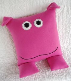 Pattern for animal pillows Funny Pillows, Kids Pillows, Animal Pillows, Soft Pillows, Sewing Crafts, Sewing Projects, Sewing Ideas, Tooth Fairy Pillow, Sewing Pillows