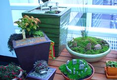 Table top stonehinge garden | mini Stonehenge, park benches and pebble paving illustrate easy to ...