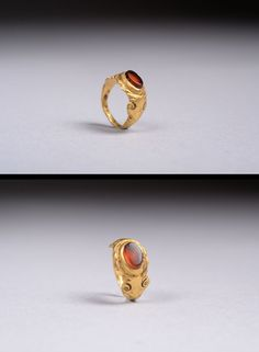 Ancient Roman Solid Gold Finger Ring With Carnelian Inlay - 300 AD