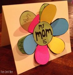 Flip the Flap Flower Card - would be cute for Mothers Day, or even birthday cards for special friends - Amazing Diy Gifts Kids Crafts, Mothers Day Crafts For Kids, Mothers Day Cards, Diy And Crafts, Kids Diy, Cute Mothers Day Gifts, Mom Cards, Flip Cards, Mother's Day Diy