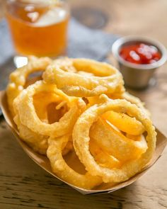 Sort of seems like an Onion Rings kind of night. These are really easy to make too!  # 3 onions 1 c @ottos_cassava_flour  1/2 c arrowroot flour 2 tsp @primalpalate Barbecue Rub 1 c sparkling water 1 egg 1/4 c water  2 cups coconut oil or fat for frying # Click the link in our profile for the recipe process!  #PrimalPalateSpices #onionrings #primalpalate