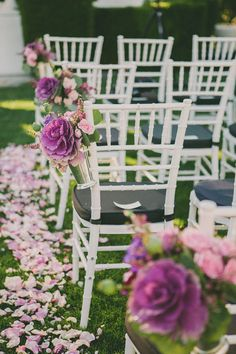 ornamental kale lining the aisle, photo by Dave Richards http://ruffledblog.com/elegant-palm-springs-wedding #purple #ceremony