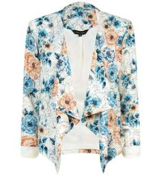 Update your cold-weather style with our women's outerwear. From light layers to cosy ladies' outerwear, shop at New Look with free delivery options. Waterfall Jacket, Outerwear Women, Outerwear Jackets, Cold Weather Fashion, Floral Blazer, Printed Blazer, White Skinny Jeans, Print Jacket, Occasion Wear