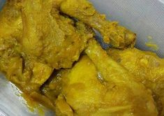Ayam Ungkep Bumbu Kuning (stok tinggal goreng) by sartikaratnap Chicken Mushroom Recipes, Chicken Recipes, Recipe Chicken, Mushroom Meals, Malay Food, B Food, Indonesian Food, Indonesian Recipes, Food Hacks