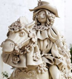 Walking along the 'ceramic district' in the old town of #Grottaglie, #Puglia, the visitors have a chance to see many large and small #ceramic and #terracottaworkshops the artisans display, once completed, to attract tourists' attention. #AriaLuxuryPuglia #ExquisiteVillasInPuglia