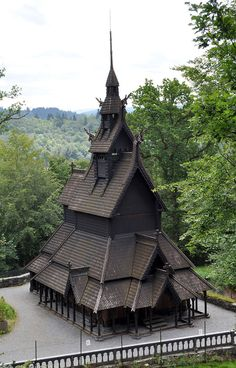 Fantoft Stave Church - a reconstructed stave church in the Fana borough of the city of Bergen, Norway. Vikings, Places To Travel, Places To Go, Frozen Castle, Old Churches, Chapelle, Place Of Worship, Beautiful Architecture, Cathedral Architecture