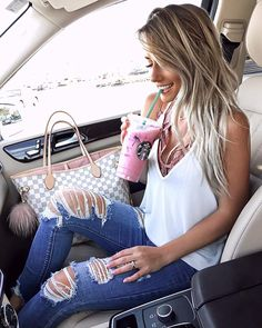 Pink drinks all day errr dayyy! Comfy casual today wearin gmy fav bralette and cami combo! Outfit details in my bio!!…
