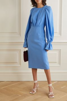 Dress Outfits, Fall Outfits, Fashion Dresses, Casual Outfits, Fabulous Dresses, Beautiful Dresses, Silk Midi Dress, Dress Up, Gown Suit