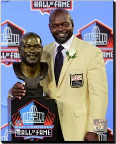Cowboys legendary running back Emmitt Smith was inducted into the Pro Football Hall of Fame on this date in The NFL's leading rusher became the Cowboys player to be honored. Nfl Hall Of Fame, Football Hall Of Fame, Dallas Cowboys Football, Football Team, Cowboys 4, Dallas Texas, Cowboy History, Cowboys Players, How Bout Them Cowboys