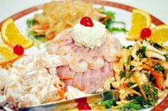 asian cold cut platter. cold cuts, jellyfish, shrimp, squid, seaweed Cold Cuts, Seaweed, Potato Salad, Shrimp, Potatoes, Asian, Jellyfish, Platter, Ethnic Recipes