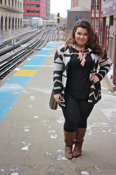 natalie craig, natalie in the city, chicago, curvy girls, fashionistas, fashion blogger, plus size fashion, plus size fashion blogger, ootd, outfit of the day, cardigan, tribal, forever 21