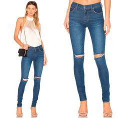 «Я повёрнута на джинсах. Жаль, что иногда приходится надевать что-то другое.» Это высказывание принадлежит одной из известнейших американских поп-див. Мы её понимаем, наряды для красных дорожек не всегда удобны, в отличие от джинсов. А вот джинсы, в отличие от вечерних платьев можно надеть практически на любое мероприятие. Как эти джинсы James Jeans с разрезами на коленях.  #spring #fashion #outfitidea: #stylish & #trendy #flare #James #jeans help to create #chic & #comfortable #outfit #мода…